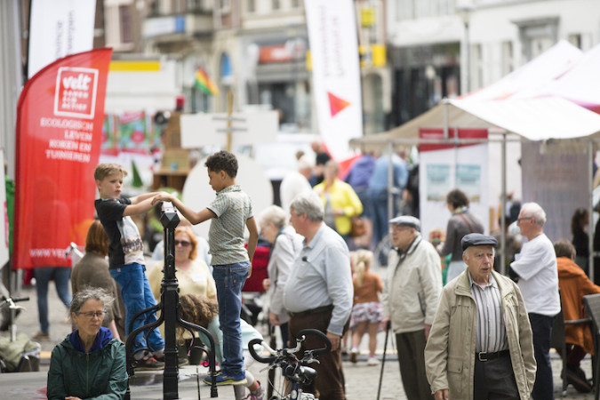 Lokaal vrije tijdsbeleid tussen straat en staat